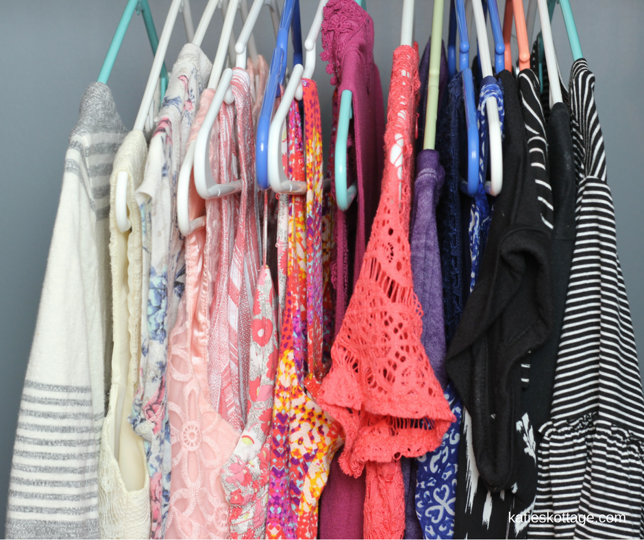 clothing declutter | minimal closet | minimalist | declutter