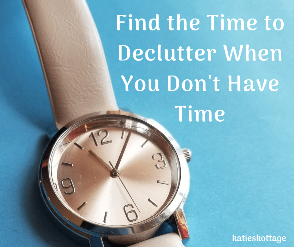 Find time to declutter when you don't have time. The motivation you need to declutter, organize, and clean your home. These tips, and tips will give you the motivation to get started. #cleaningtips #cleaninghacks #declutter #organization #organizationideas #minimalist #minimalism